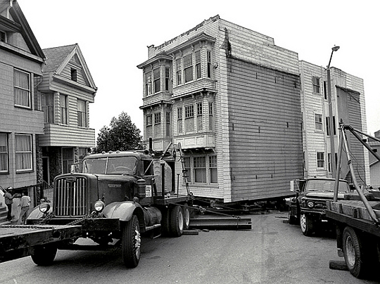 "Truck Pulling a House, San Francisco, Flickr user ""Dizzy Atmosphere"""
